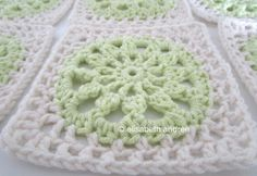 close up of another square with a lacy border, free pattern  by elisabeth andrée