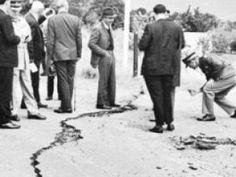 tulbagh earthquake damage - Google Search Earthquake Damage, Inner World, African History, Old Pictures, Cape Town, Live, South Africa, The Past, Google Search