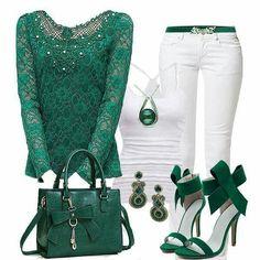 Panatalon blanco. Blusa verde