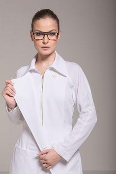 Dental Uniforms, Lab Coats For Men, Scrubs Uniform, Cute Nurse, Nursing Clothes, Muslim Women, Womens Fashion For Work, White Shirts, Ideias Fashion