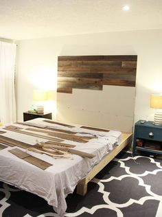 How to make a wooden DIY headboard - Fresh CrushBeautiful wooden DIY headboard with MDF and Stikwood peel and stick planks! See the whole how to do it! Regenerated barn board made of Sierra Silver Rustic Furniture, Diy Furniture, Bedroom Furniture, Furniture Makeover, Furniture Websites, Inexpensive Furniture, Furniture Outlet, Furniture Stores, Furniture Plans