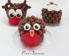 Cute Christmas decorations for cupcakes