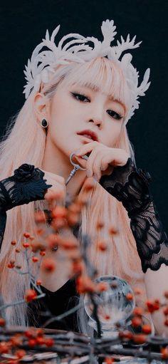 Neon Heart Light, Lock Screen Wallpaper, Wallpaper Lockscreen, Wallpapers, Last Dance, Foto Jungkook, Minnie, Neverland, Pretty Woman