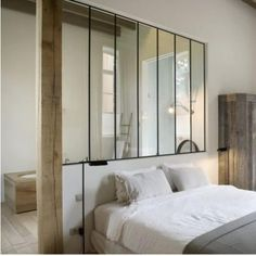 Wohnideen Schlafzimmer – den Platz hinterm Bett verwerten Living ideas Bedroom with a small bathroom behind the bed Home Bedroom, Master Bedroom, Bedroom Ideas, Suite Master, Bedroom Designs, Bedrooms, Interior Architecture, Interior Design, Halloween Home Decor