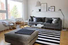 Living room / Black and white