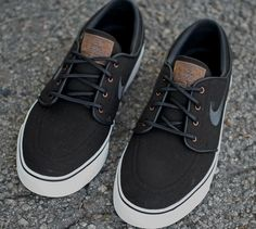 Janoski's, by Nike - I don't usually rock Nike these days, but I would make an exception fro these