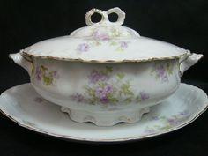 sopera con presentoire porcelana doble sello c. t. alwaisser