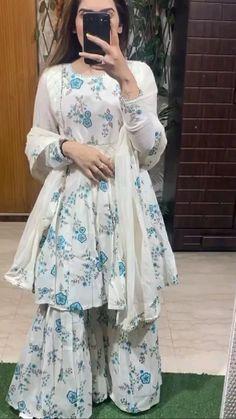 Indian Fashion Dresses, Pakistani Dresses, Muslim Fashion, Fashion Outfits, Kurti Designs Party Wear, Ethnic Dress, Prom Dresses, Summer Dresses, Dress Sewing Patterns