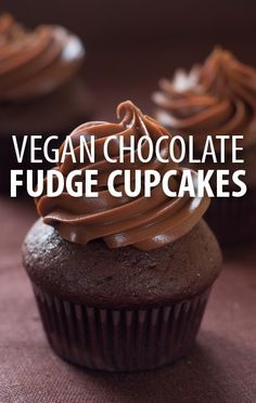 Make these vegan Chocolate Fudge Cupcakes with a high-protein tofu frosting from The Big Bang Theory star Mayim Bialik and beginning baker Rachael Ray. http://www.recapo.com/rachael-ray-show/rachael-ray-recipes/rachael-ray-mayim-bialik-vegan-chocolate-fudge-cupcakes-recipe/
