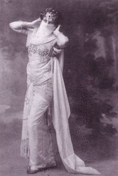 #MataHari | 1905 | veil-dance | in her scrapbook was a French line saying 'The dance is like a poem, because every movement is a word' | 'La danse est un pòeme, dont chaque mouvement est un mot.' Trip The Light Fantastic, Belle Epoch, Mata Hari, Tribal Belly Dance, Turkish Fashion, Diego Rivera, Vintage Photographs, Vintage Photos, Female Stars