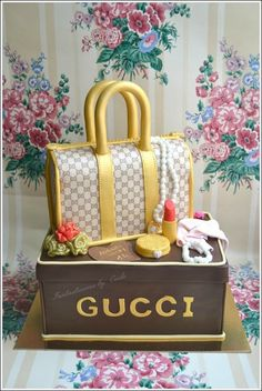 Gucci Purse Cake — Clothing / Shoe / Purse Cakes