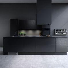 Sigdal kjøkken - Amfi Eik 2.0 lakriz Modern Kitchen Cabinets, Modern Kitchen Design, New Kitchen, Kitchen Dining, Kitchen Decor, Küchen Design, House Design, Cocinas Kitchen, Scandinavian Kitchen
