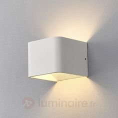 Applique LED métallique laquée en blanc Emelie