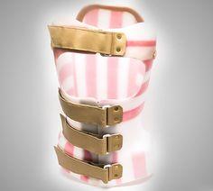 Corset Cheneau la comanda Corset, Bangles, Bracelets, Jewelry, Fashion, Bone Fracture, Moda, Bustiers, Jewlery