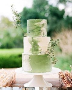 elegant and rustic buttercream wedding cake – Beautiful Wedding Cake Designs Cake Design Inspiration, Wedding Cake Inspiration, Wedding Ideas, Buffet Dessert, Green Cake, Buttercream Wedding Cake, Buttercream Fondant, Wedding Cake Designs, Beautiful Cakes