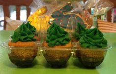Carrot cupcakes on top of delicious chocolate! Great ideia for Easter treat!   by The Cake is on the Table
