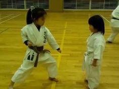 Gohonkumite by a 3-year-old girl Chitose(white belt)  3歳の女の子の五本組手
