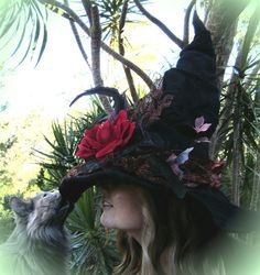 Witches Hat....cat approved!, this is gorgeous
