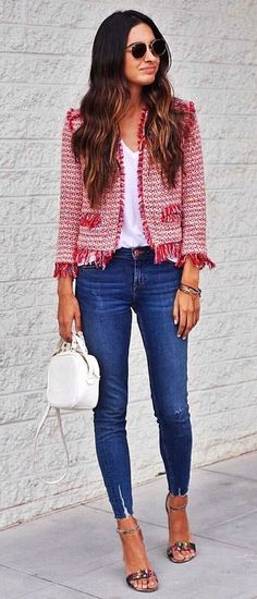 Nice 40 Inspiring Red And Grey Work Outfits Ideas To Get Inspired. More at https://outfitsbuzz.com/2018/04/13/40-inspiring-red-and-grey-work-outfits-ideas-to-get-inspired/
