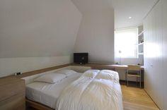 Huis te koop in Knokke-Heist - 1 280 000 € - Logic-immo.be - 3-Gevel woning, hedendaags en tijdloos ingericht, verscholen in een groene, residentieële woonerf 't Molentje in het Zoute, aan het eind van de Boslaan...Het interieurwerd ontworpen door architecte C...