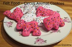Felt Circus Animal cookies with a free pattern. http://xoxograndma.blogspot.com/2013/10/felt-food-circus-animal-cookies.html