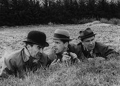 """Palmu-sarjan kolmatta elokuvaa, Tähdet kertovat, komisario Palmu (1962), pidetään """"alkuperäisten"""", Mika Waltarin käsikirjoittamien Palmujen kepeimpänä. Kova kolmikko vas. Joel Rinne (komisario Palmu), Matti Ranin (lakitieteen ylioppilas Virta) ja Leo Jokela (etsivä Kokki)."""