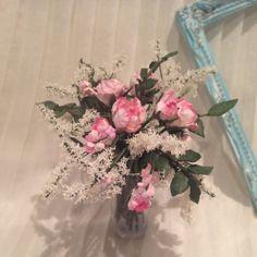 Pink floral arrangement roses. Miniature 1:12th scale.