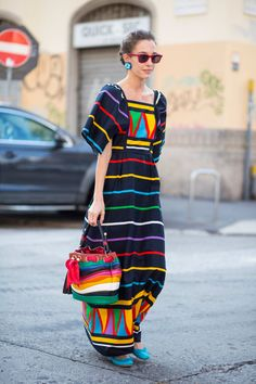 The Best Street Style Looks from Milan Fashion Week - Fashionista Funky Fashion, Cool Street Fashion, Look Fashion, Fashion Design, Estilo Folk, Modest Fashion, Fashion Dresses, Mexican Fashion, Street Style Looks