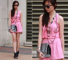The duct tape clutch (by Sabrina Kwan) http://lookbook.nu/look/3712589-The-duct-tape-clutch