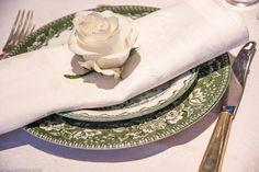 Grønn mix borddekking #bryllup #wedding #green #table setting #dekkmittbord