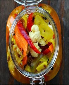 Pickled Cauliflower and Carrots. MUST TRY these since Jack loves the pickled veggies at the Armenian restaurant. Pickled Cauliflower, Cauliflower Recipes, Salsa Dulce, Recipe Girl, Recipe Recipe, Comida Latina, Fermented Foods, Canning Recipes, The Best