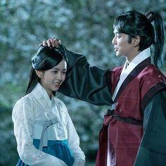 [ Kim So Hyun and Yoo Seung Ho Behind the Scenes in Ruler: Master of the Mask ]    #RulerMasterOfTheMask #KimSoHyun #YooSeungHo #Kdrama #Actress #Actor #LatePost
