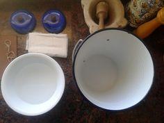DIY SHIBORI: BAtA, muebles con ideas Shibori, Dog Bowls, Diy, Plates, Tableware, Ideas, Lab Coats, Licence Plates, Dishes