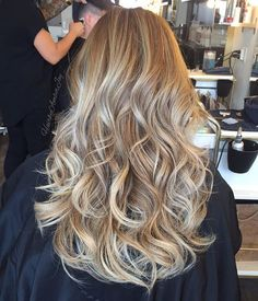 Voluminous Icy Beige Blonde.