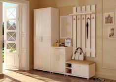 Dar bir koridor için bir zemin kaplama iyi olduğu fayans veya laminat kullanımı