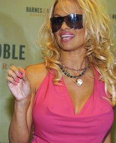 Sunglasses Women, Divas, Queens, Type, Sweet, Dresses, Fashion, Candy, Vestidos