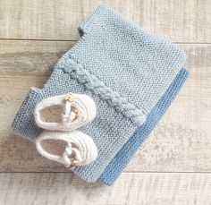 Kits de punto con patrones sencillos de entender, diseños increibles, lana o algodón siempre de la mejor calidad y botones y lazos para rematar tu labor!