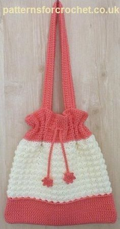 Free crochet pattern for drawstring bag http://www.patternsforcrochet.co.uk/drawstring-bag-usa.html #patternsforcrochet