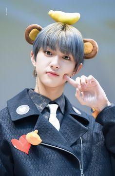 181109 #봉재현그래도 나는 재현이 조아행#재현 #골든차일드 #JAEHYUN #Golden_Child @Hi_Goldennesspic.twitter.com/bmj3lUhzmC Kim Donghyun, Woollim Entertainment, Golden Child, Jaehyun, Entertaining, Kpop, Children, Cute, Ulzzang