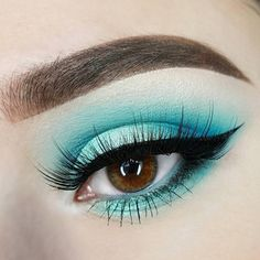Ocean eyes 🌊 @xelliiss wears our Ultimate Shadow Palette in 'Brights' along with our Prismatic Shadow in 'Mermaid' 🐬 || #nyxcosmetics #nyxprofessionalmakeup