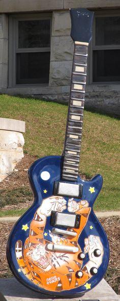 Guitar Town - Waukesha, Wisconsin