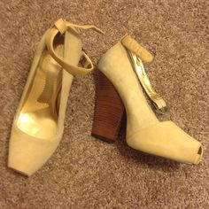 Vintage Heeled pumps They are scuffed from my jeans rubbing on them and the right strap is broken but are an easy fix  see pic Zinc Shoes Heels