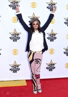 Pin for Later: Seht Taylor Swift, Nick Jonas und alle anderen Stars bei den ACM Awards Steven Tyler