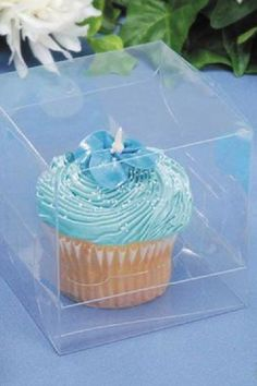 Show off your wonderful cupcakes in these fantastic transparent cupcake boxes. Not only does it keep the cupcake safe for your guests to eat, as it also allows you to display pretty party food that you can be proud of. See more party ideas and share yours at CatchMyParty.com #catchmyparty #partyideas #socialdistancing #socialdistancingparty #socialdistancingpartyfoodideas