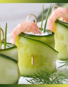 This Cucumber Dill Shrimp Roll-Up recipe is the perfect light appetizer for a summer party. Informations About Rouleaux de concombre au chèvre frais, crevette et citron vert Pin You can easily use my Light Appetizers, Yummy Appetizers, Appetizers For Party, Appetizer Recipes, Shrimp Appetizers, Shrimp Recipes, Cucumber Roll Ups, Buffet Party, Shrimp Rolls