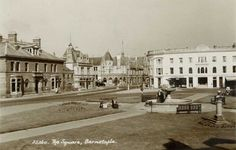 Devon, Barnstaple Square, Ice Cream Parlour.jpg (1120×713)