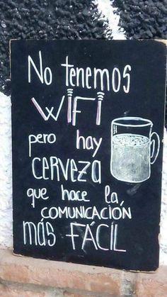 Amigos de la Cerveza por fin es Viernes!! Y recordar a falta de Wifi la cerveza hace la comunicación más fácil Massage Funny, Beer Art, Pub, Chicano Love, Ideas Para Fiestas, Ginger Beer, Cafe Bar, Cool Posters, Wall Quotes