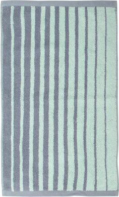 Tolle Farben mit schöner Streifenoptik finden Sie hier bei dieses Badetuch »Pure Stripe« von Essenza. Klassische Streifen in topmodernen Farben sind ein tolles Highlight, um Ihr Badezimmer zu verschönern und sich nach dem Duschen und Baden schön einzukuscheln. Das weiche Badetuch aus reiner Baumwolle ist eine Erholung. Sie können das Tuch im Trockner trocknen und sie immer direkt an dem Kordela...