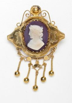 Victorian cameo demi-parure in tested 10K yellow gold.