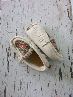 Fringe Baby Moccasins Soft White Baby by sparvintheieletree, $20.00